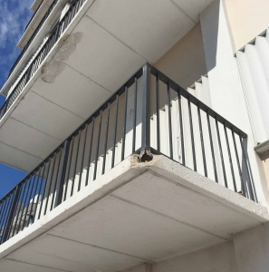 Photo of a railing failure. It will need to be replaced, and until it is, it can be quite dangerous.