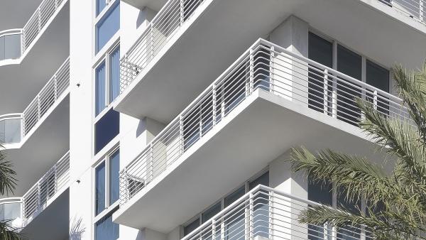 Custom aluminum balcony rail system.